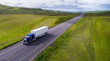 Factors To Take Into Consideration Before Hiring A Truck Hauling Service